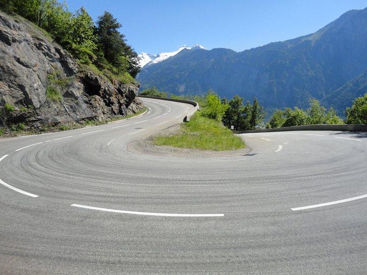 Met piepende banden over de Mont Blanc